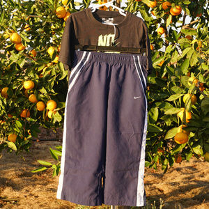 Nike sweatpants and UA tee shirt VGUC S